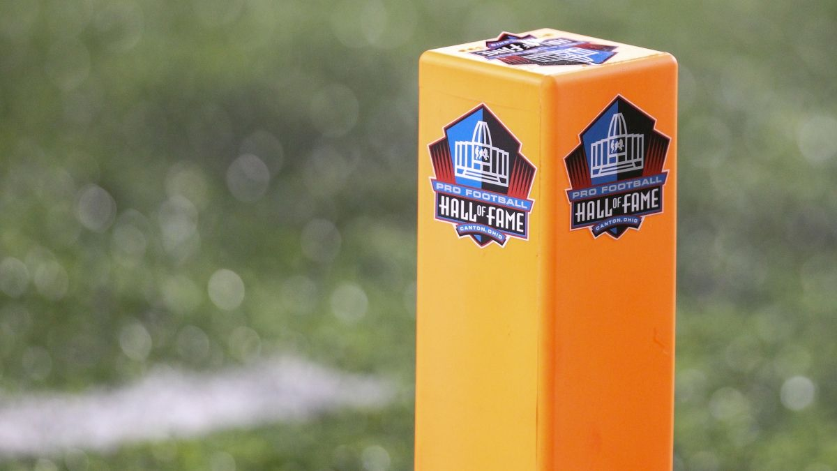 Pro Football Hall of Fame Game Odds, Betting Trends: Cowboys vs. Steelers Total Tied for Lowest Ever Tracked article feature image