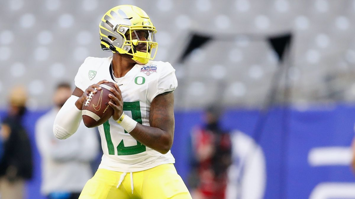 Fresno State vs. Oregon College Football Odds & Picks: Bulldogs Have Value as Week 1 Road Underdogs (Sept. 4) article feature image