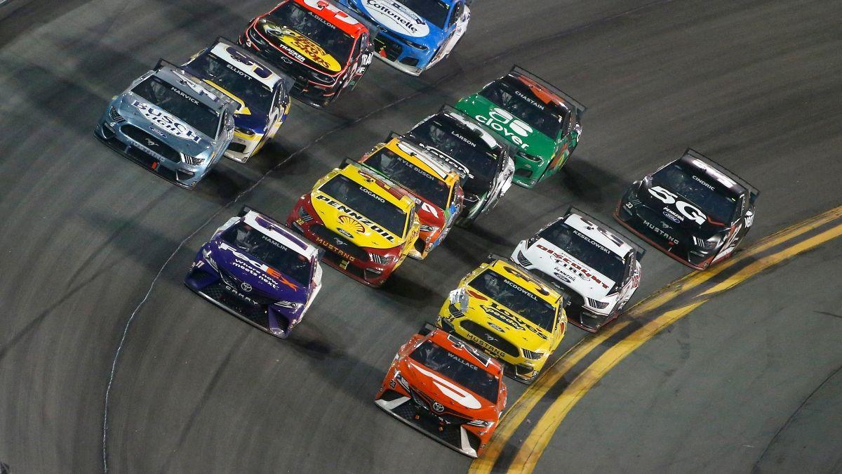 Updated NASCAR at Daytona Odds, Lines: Denny Hamlin the Coke Zero Sugar 400 Favorite on Saturday Night article feature image