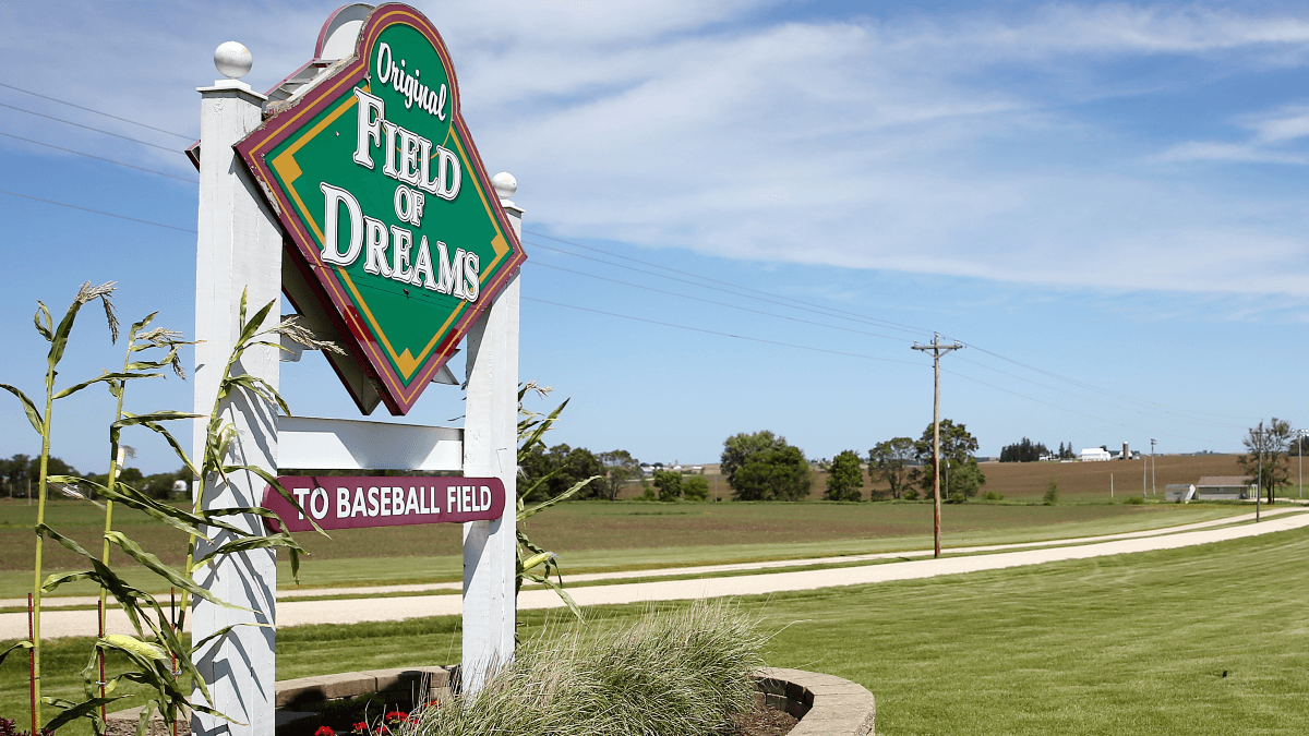 """Where """"Field of Dreams"""" Ranks for Highest Grossing Baseball Movies of All Time article feature image"""