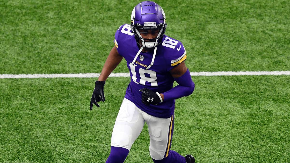 Justin Jefferson Leaves Vikings Practice with Apparent Shoulder Injury article feature image