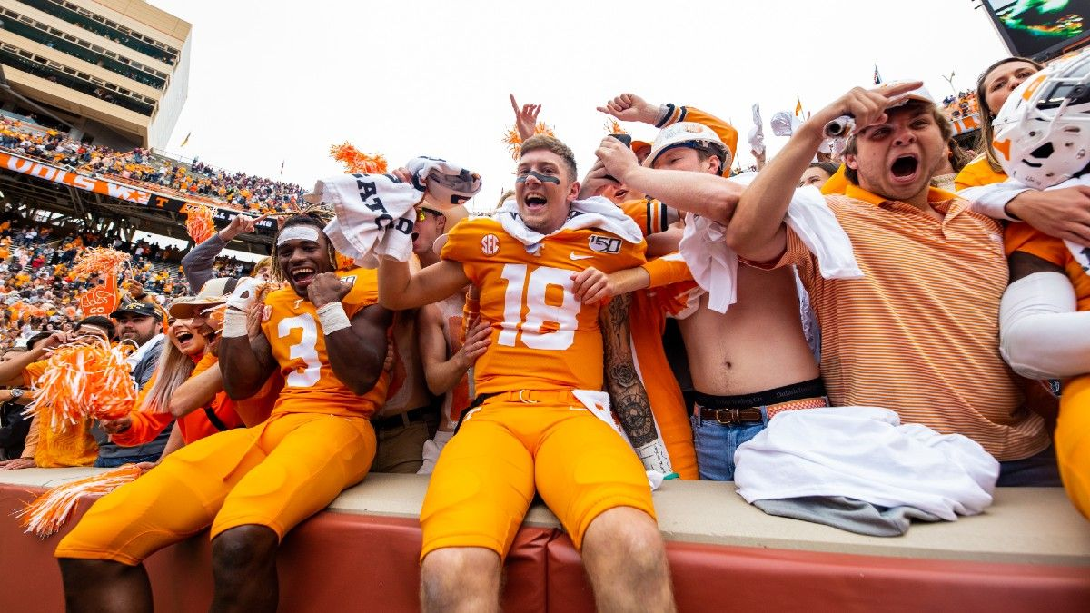 Which College Football Team Sees Biggest Boost From Home-Field Advantage? article feature image