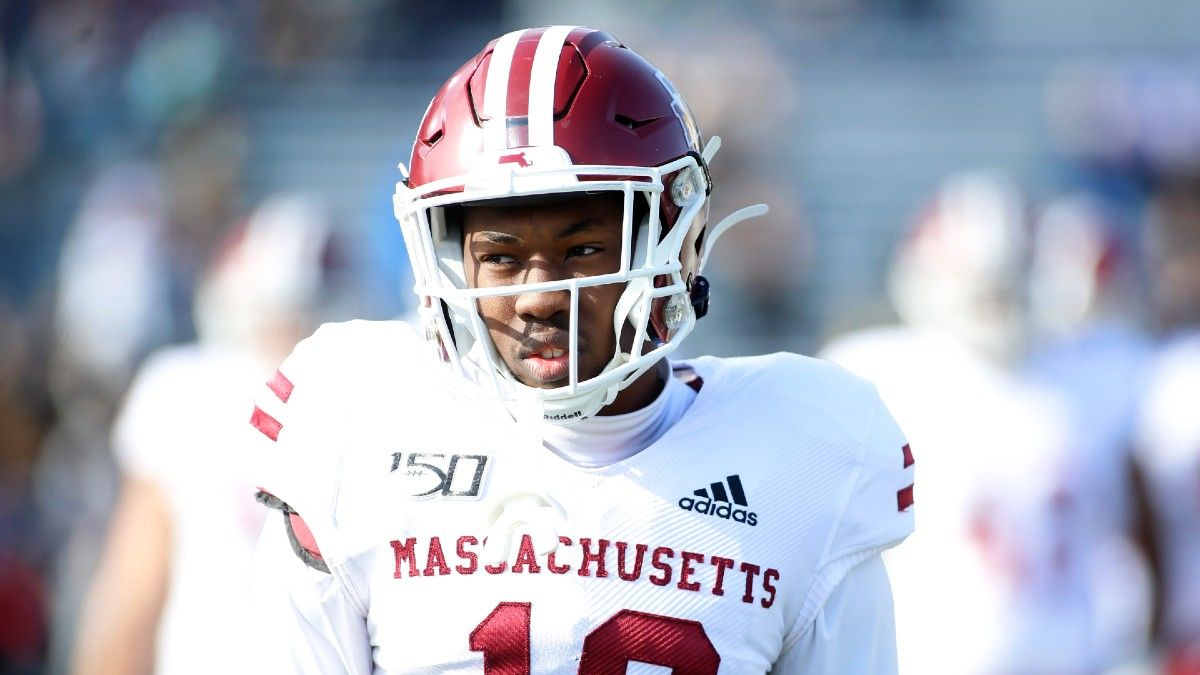 College Football Betting Odds, Pick: Why to Play UConn & UMass in Week 3 (Saturday, Sept. 18) article feature image