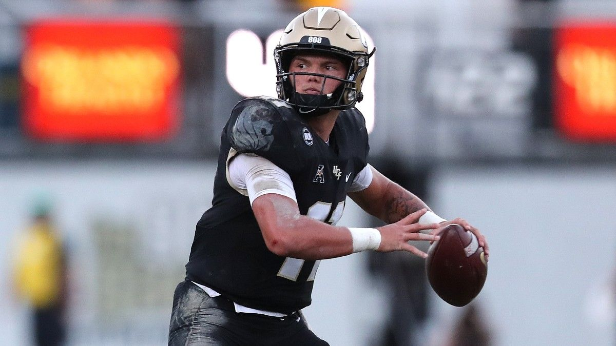College Football Friday Action Report: UCF-Louisville, Maryland-Illinois Totals Trending Opposite Directions article feature image