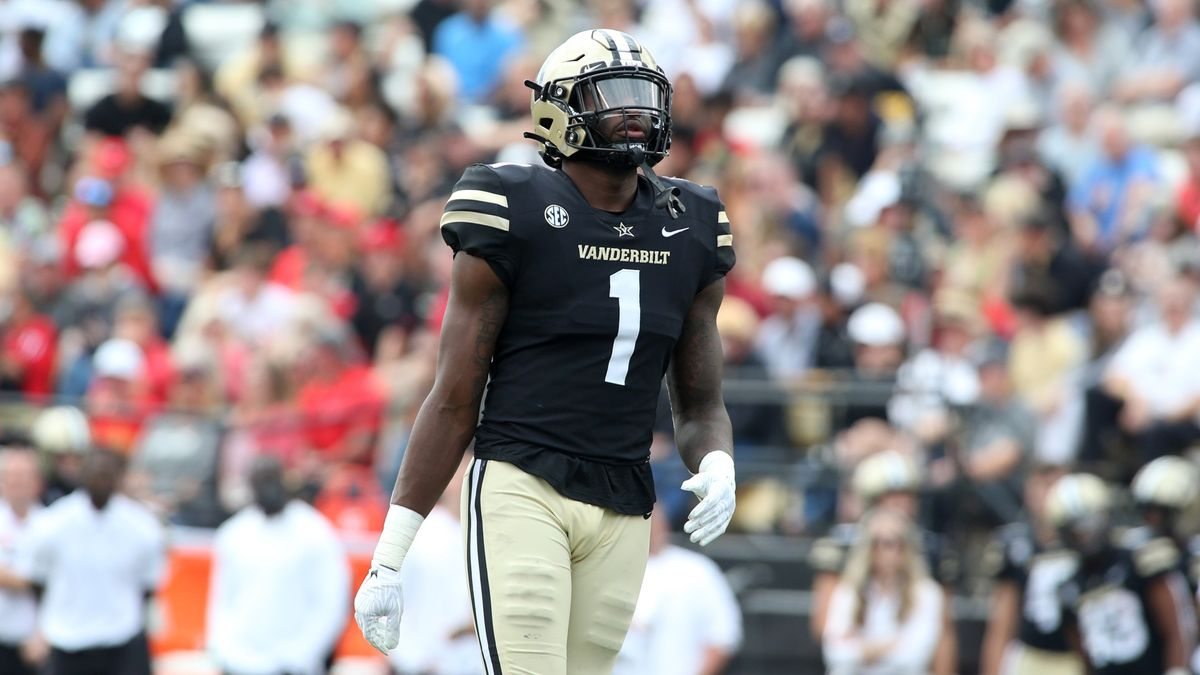 College Football Odds, Picks, Predictions for UConn vs. Vanderbilt: How To Bet This 'Toilet Bowl' article feature image