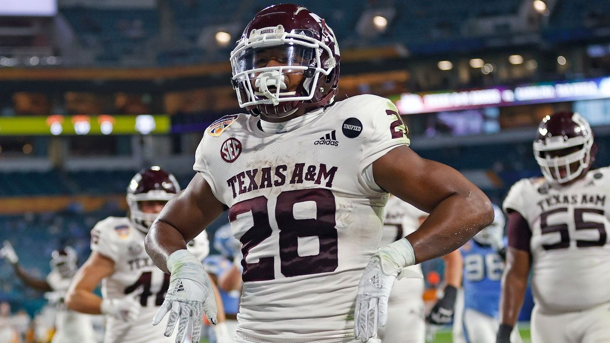 College Football Odds & Picks for Kent State vs. Texas A&M: Flashes Have Value Against Aggies (Sept. 4) article feature image