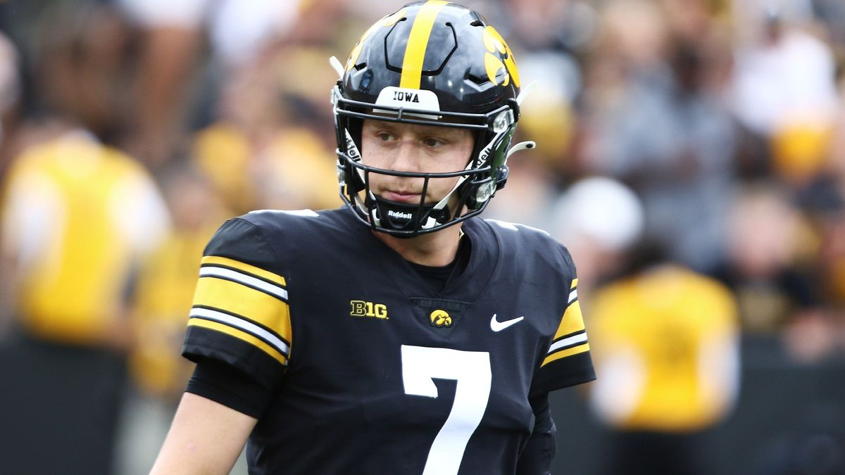 College Football Odds, Picks, Predictions for Colorado State vs. Iowa: Your Saturday Betting Guide (Sept. 25) article feature image