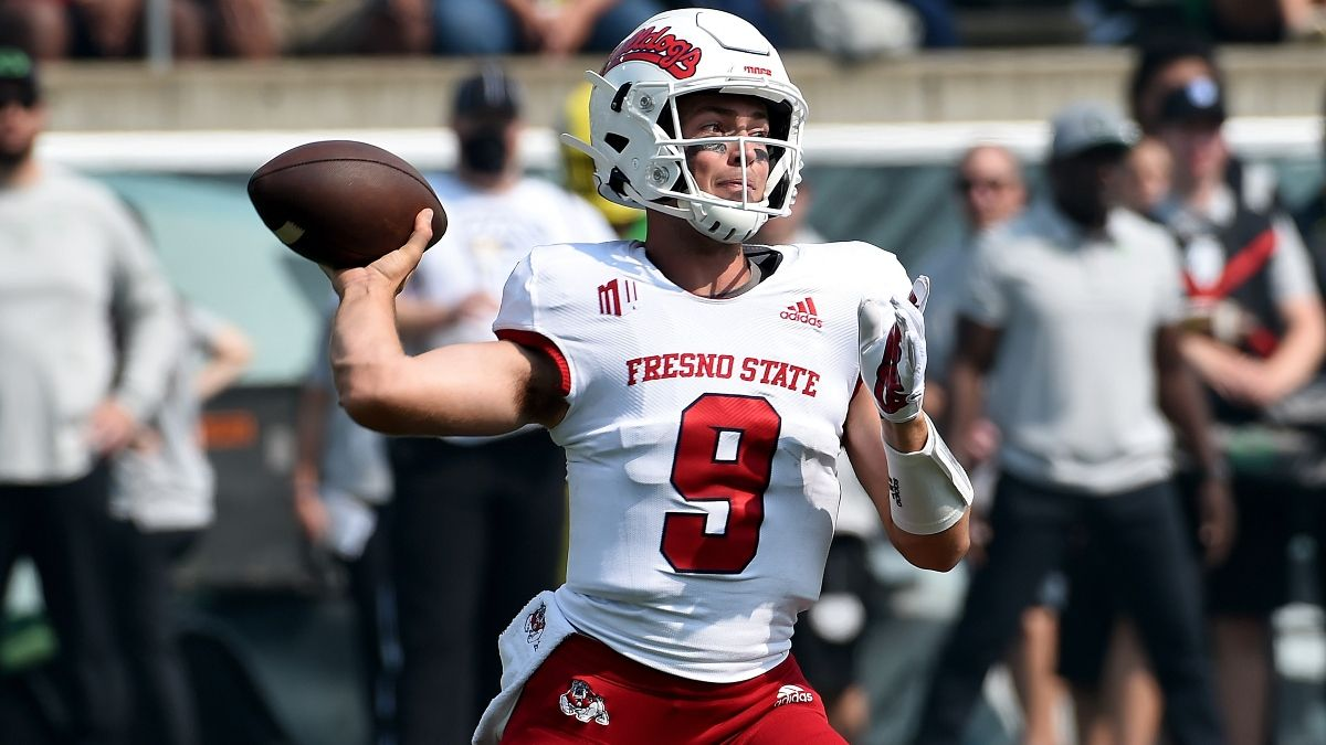 Fresno State vs. UCLA College Football Odds & Pick: Can Bruins Keep Rolling In Pac-12 After Dark? (Sept. 18) article feature image