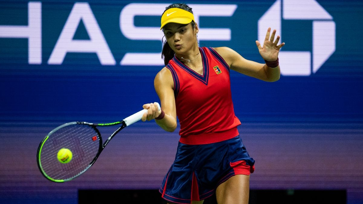Emma Raducanu vs. Leylah Fernandez US Open Final Odds, Preview: Underdogs Meet in Saturday's All-Teen Final article feature image