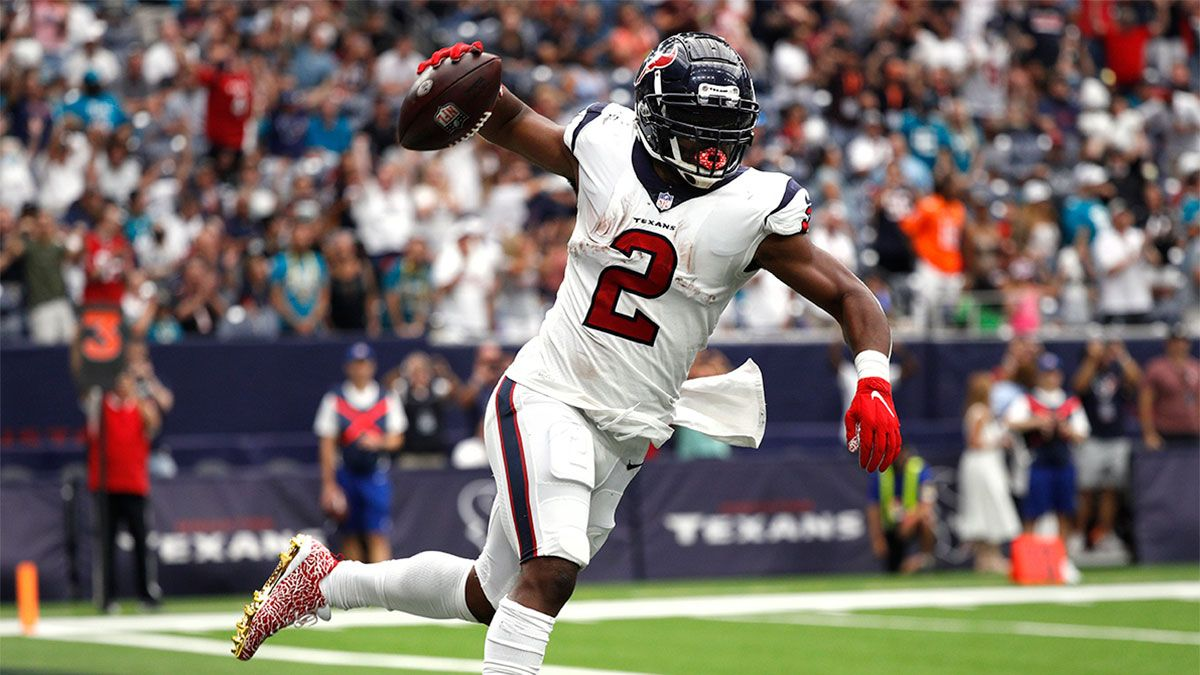 Fantasy Football Waiver Wire Pickups For Week 2: Target Kenneth Gainwell, Mark Ingram, More Adds article feature image