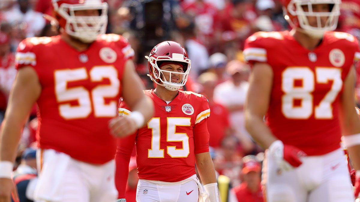 Chargers vs. Chiefs Odds, Picks, NFL Sunday Predictions: Could Justin Herbert Upend Patrick Mahomes In Week 3? article feature image