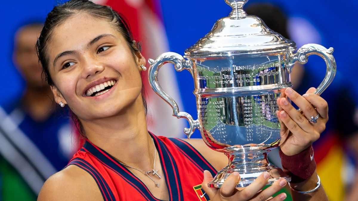 2022 Women's Tennis Futures: Is a Wild Season Incoming? article feature image