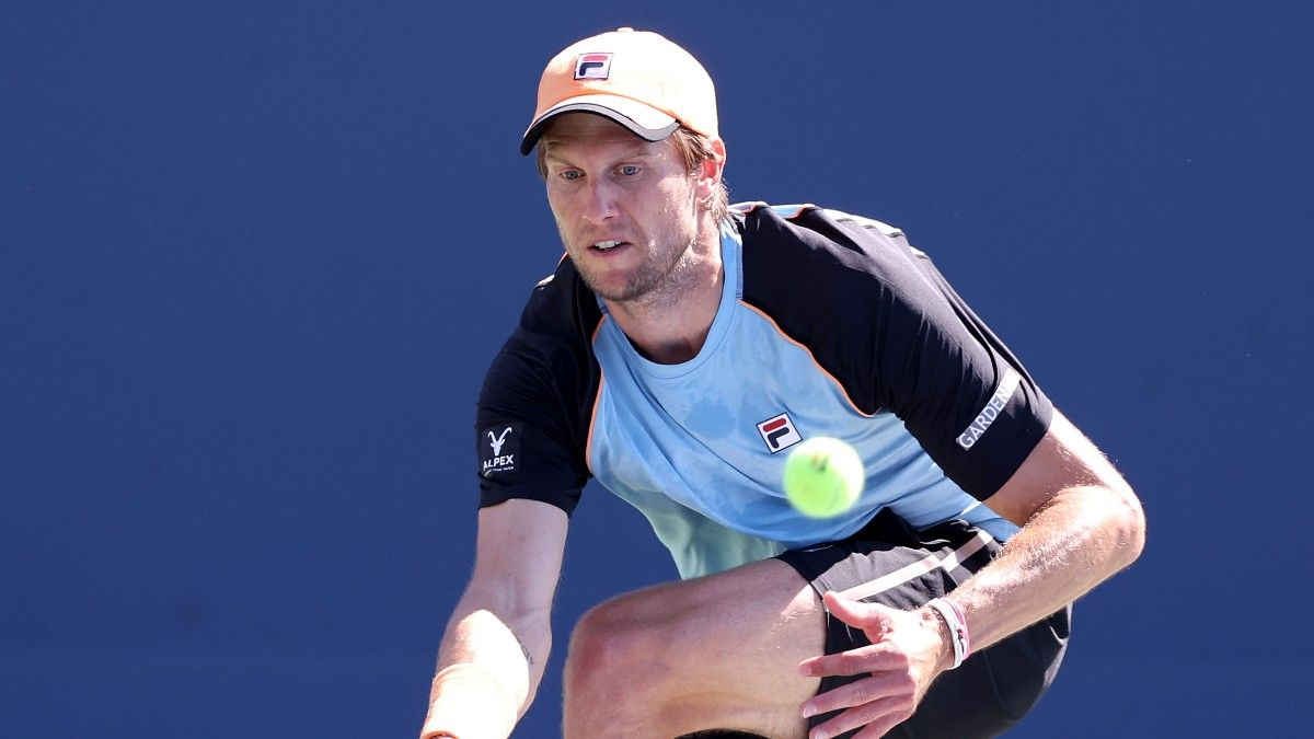 ATP Tennis Odds & Picks for Wednesday Morning: 2 Best Bets at Sofia Open article feature image