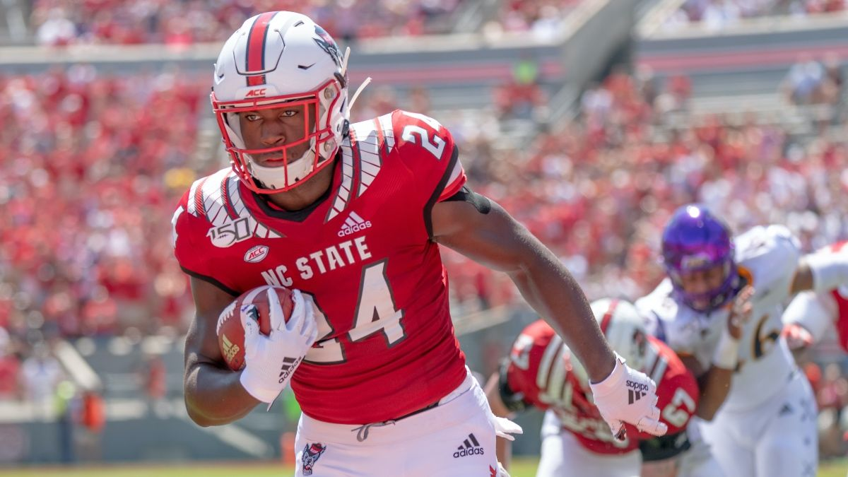 Thursday College Football Odds & Betting Picks for NC State Wolfpack vs. USF Bulls (Sept. 2) article feature image