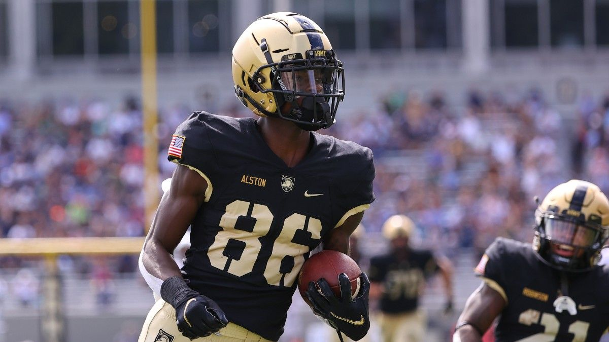 College Football Odds, Picks, Predictions for Miami (OH) vs. Army: How to Bet Saturday's Spread (Sept. 25) article feature image