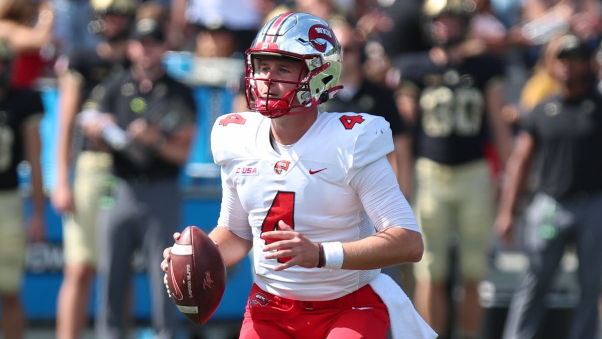Favorite College Football Underdog Moneyline Picks: 2 Bets for Week 4 article feature image