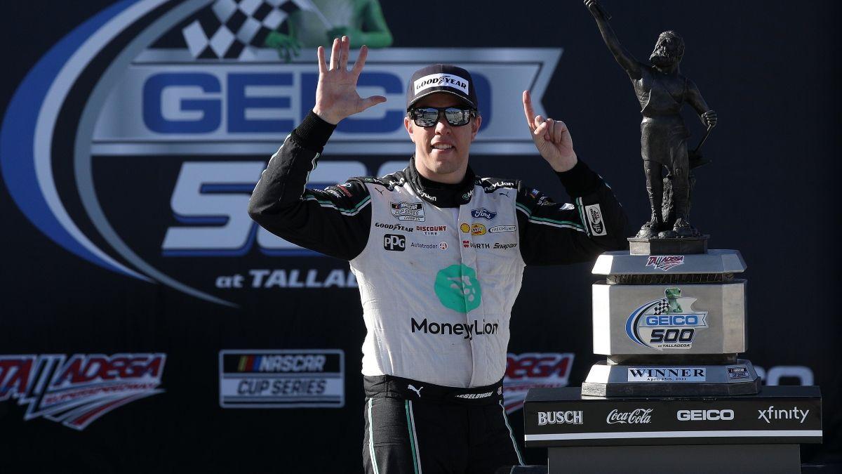 NASCAR YellaWood 500 at Talladega Odds, Pick: How To Bet Denny Hamlin vs. Brad Keselowski on Sunday Afternoon article feature image