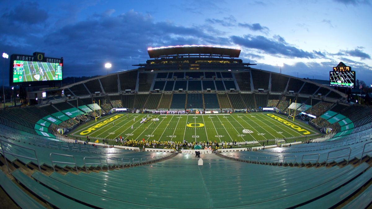 Oregon vs. California Odds, Promo: Bet $20, Win $205 if Either Team Scores a Point! article feature image