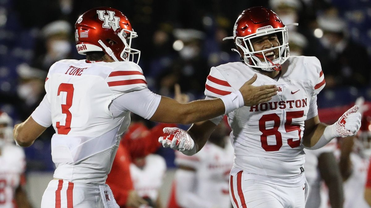Texas Tech vs. Houston Odds, Betting Picks: The Betting Edge In Week 1 College Football Matchup article feature image