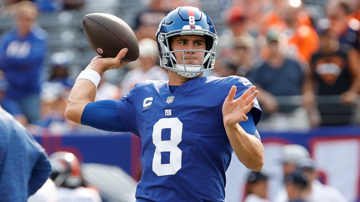 Giants vs. Falcons Odds, Promos: Bet $20, Win $205 if Daniel Jones Completes a Pass, More! article feature image