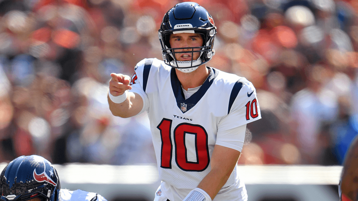 Who is Davis Mills? 3 Things to Know About Texans New Starting QB article feature image