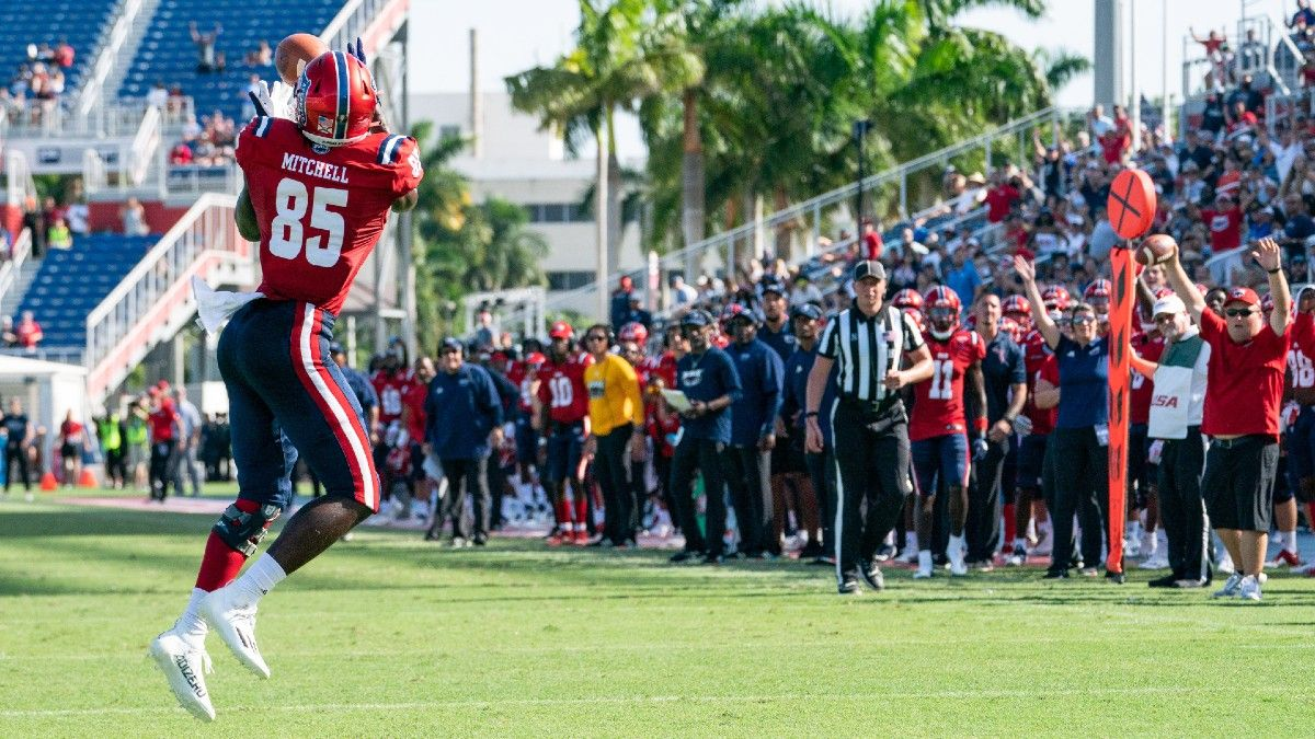 Week 4 College Football Group of 5 Parlay: Our Top Bet, Featuring UTSA & Florida Atlantic (Sept. 25) article feature image