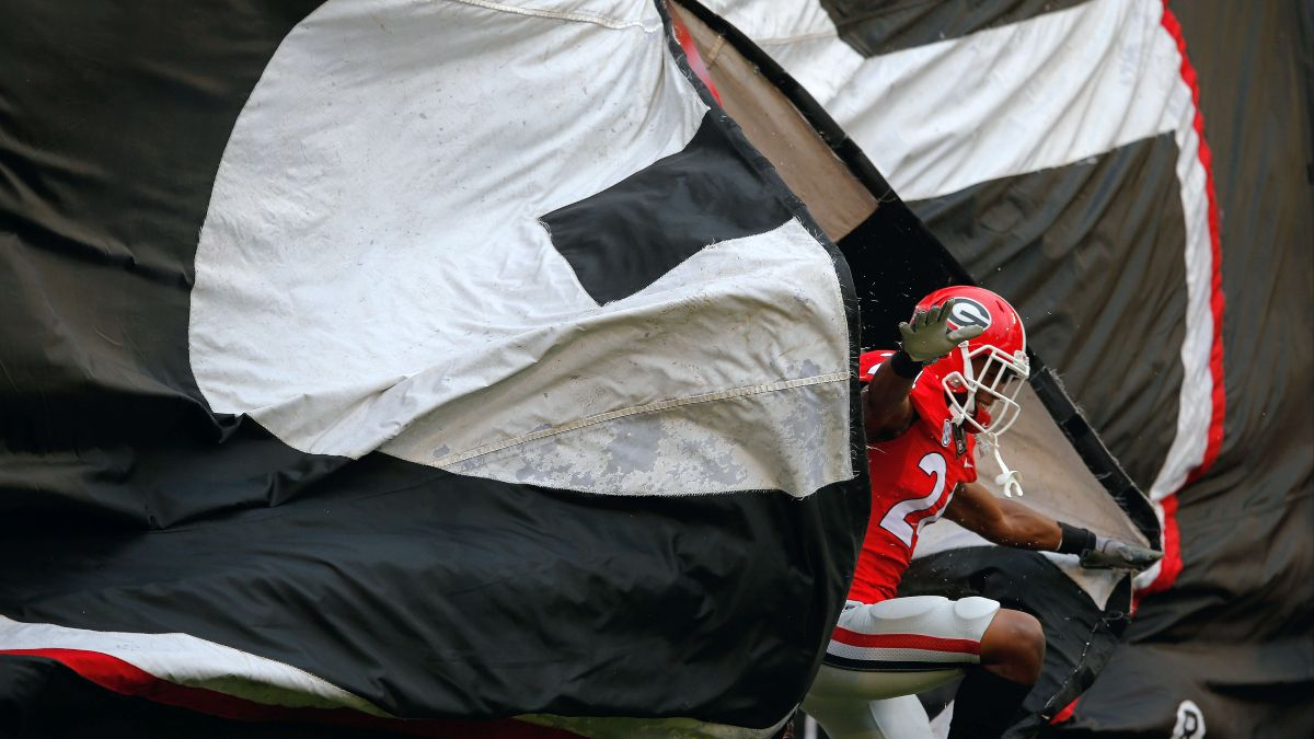 Georgia vs. Arkansas Week 5 Betting Odds & Picks: Our Top Plays for Saturday's Top-10 Matchup (October 2) article feature image