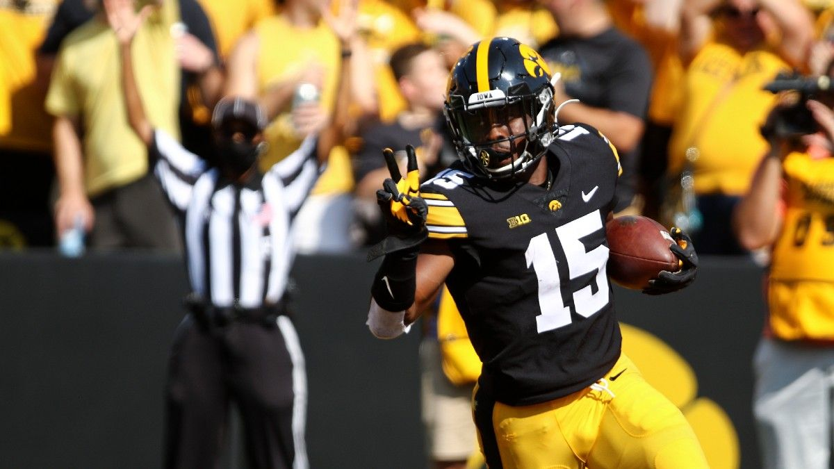 Iowa vs. Maryland Odds, Picks: How to Bet Friday's Marquee College Football Matchup (October 1) article feature image