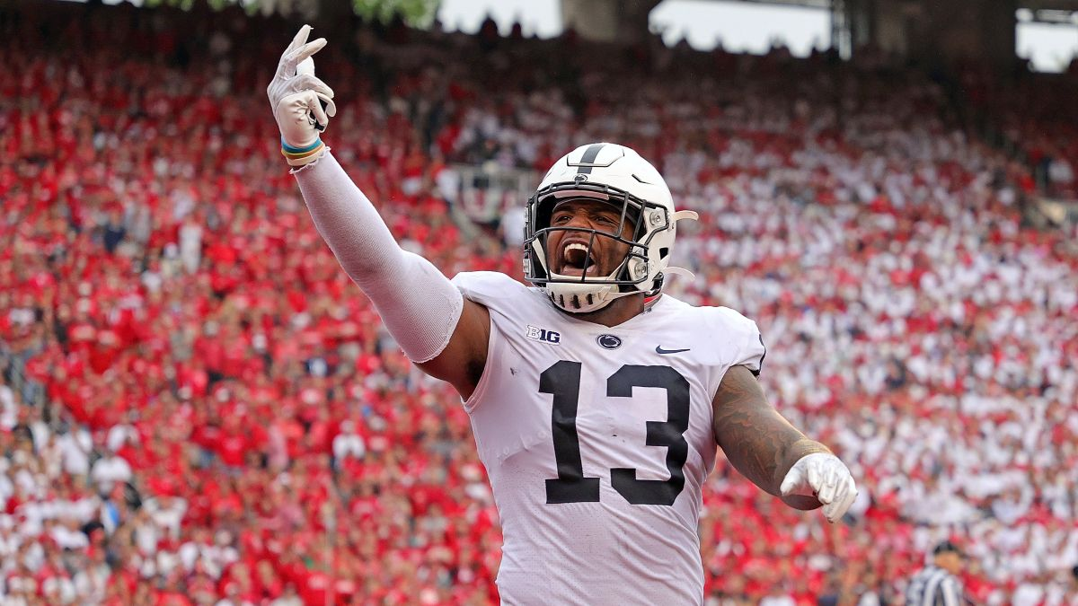 College Football Rankings: Brett McMurphy's AP Top 25 Poll Ballot vs. Our Betting Power Ratings for Week 2 article feature image