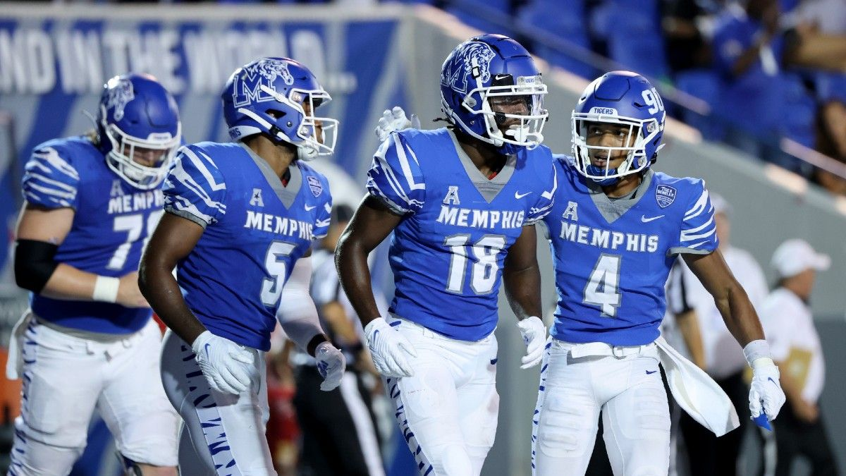 Week 3 College Football Group of 5 Parlay: Our Top Picks, Featuring Cincinnati, Iowa & Memphis (Sept. 18) article feature image