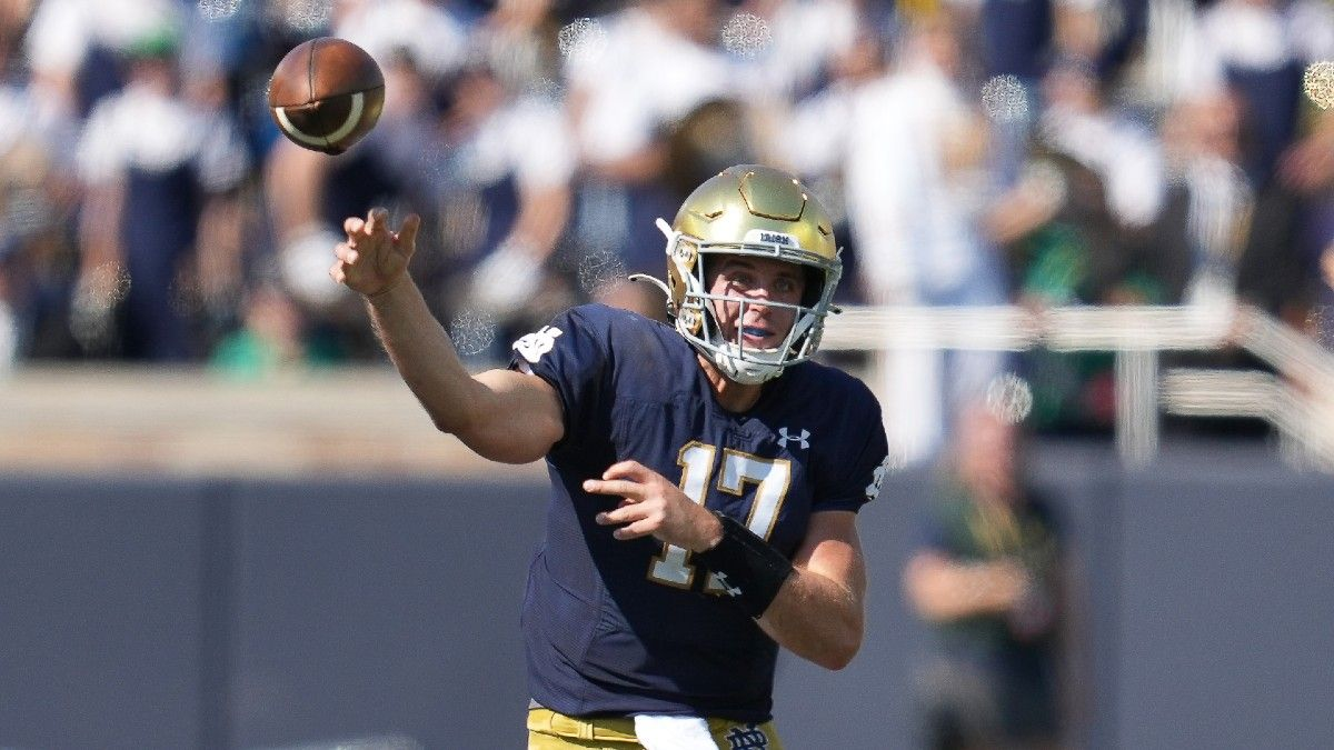 College Football Odds, Picks, Predictions: Your Saturday Betting Guide for Notre Dame vs. Wisconsin (Sept. 25) article feature image