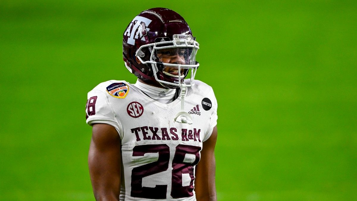 Arkansas vs. Texas A&M Odds, Picks, Predictions: Bet the Aggies to Roll Over Razorbacks (September 25) article feature image
