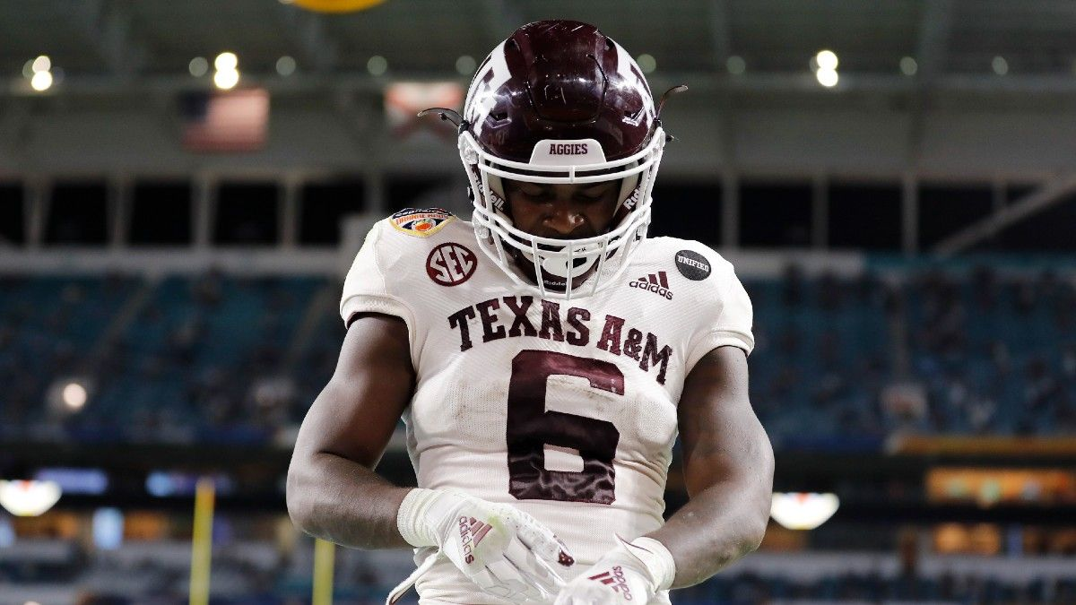 College Football Odds, Picks, Predictions for Texas A&M vs. Arkansas: Your Betting Guide for Saturday Afternoon's Showdown article feature image