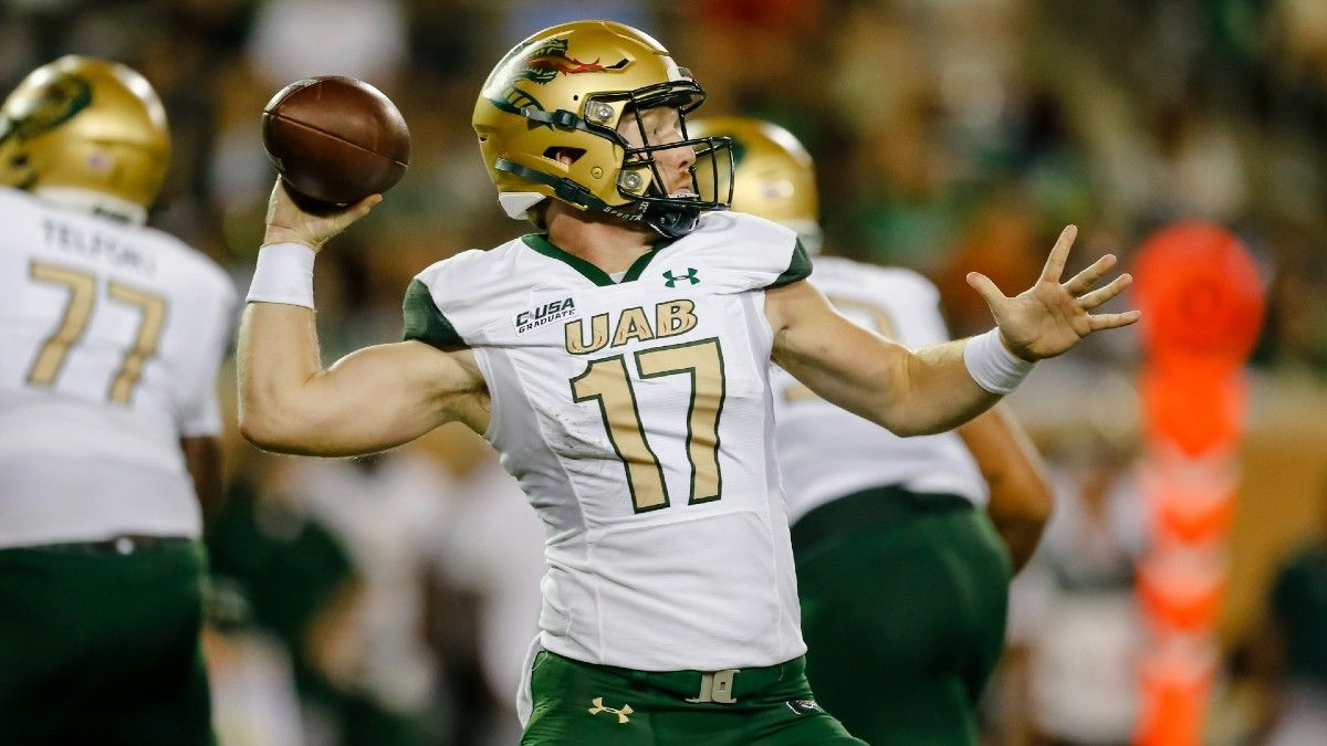 College Football Odds, Picks, Predictions for Liberty vs. UAB: The Bet to Make for Saturday's Group of Five Game (Oct. 2) article feature image