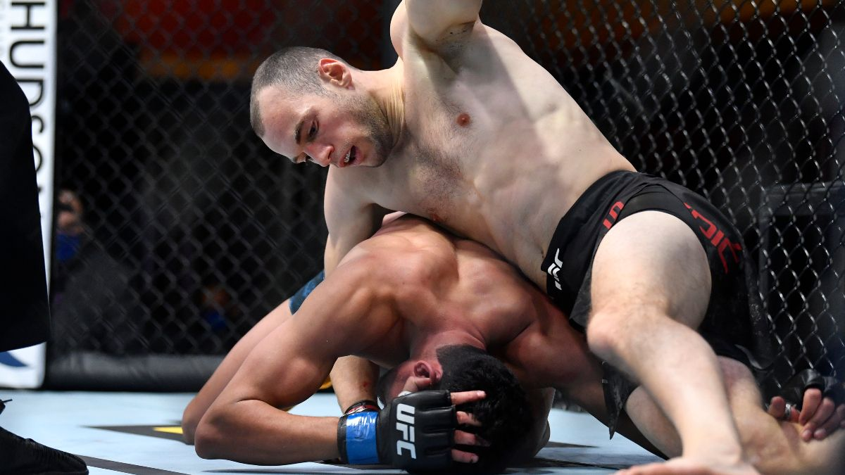 UFC 266 Prop Bets, Picks & Predictions: Where There's Value on Medic vs. Turner & Blaydes vs. Rozenstruik (Sept. 25) article feature image
