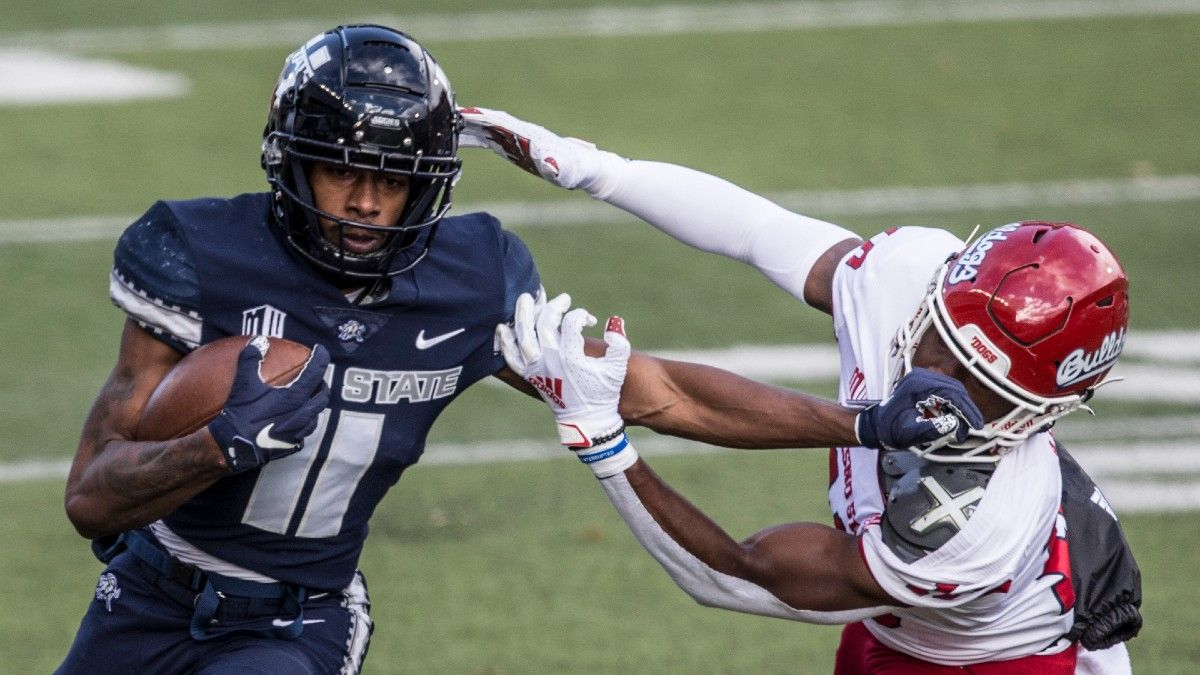 Friday College Football Betting Odds, Picks & Predictions for North Dakota vs. Utah State (Sept. 10) article feature image