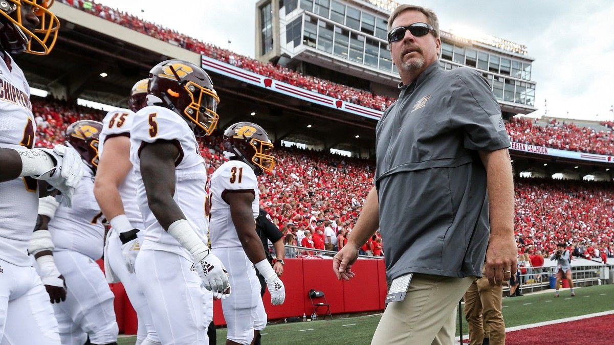 College Football Odds, Picks, Predictions for Central Michigan vs. Ohio: Play The Chips On The Spread article feature image