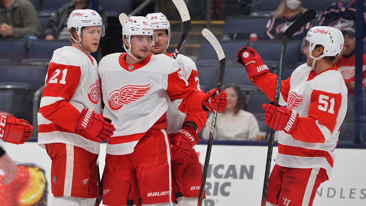Red Wings vs. Lightning Odds, Promo: Bet $20, Win $205 if the Red Wings Score a Goal! article feature image