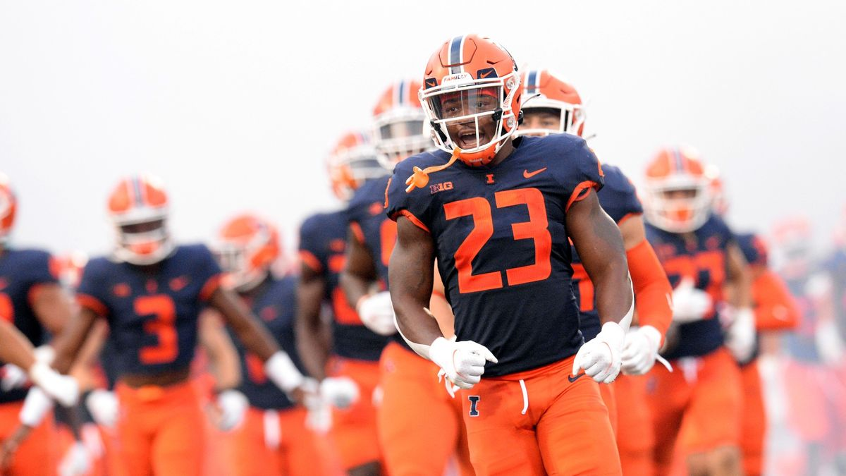 College Football Odds, Picks, Predictions for Wisconsin vs. Illinois: Betting Value on Saturday's Over/Under (Oct. 9) article feature image