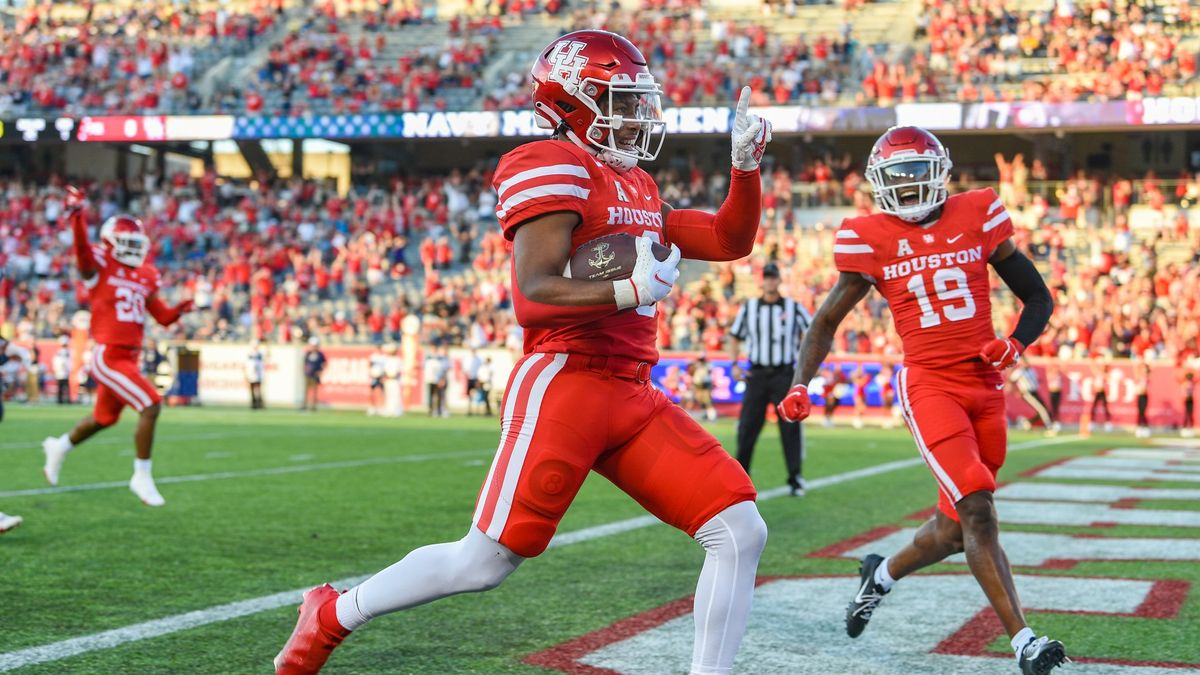 College Football Odds, Picks, Predictions for Houston vs. Tulane: How to Bet Thursday's AAC Matchup (Oct. 7) article feature image