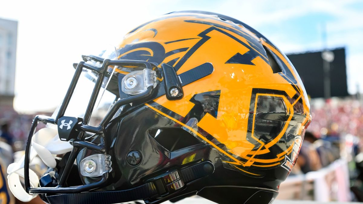 College Football Odds, Picks, Predictions for Buffalo vs. Kent State: Put Trust in Golden Flashes Over Bulls article feature image