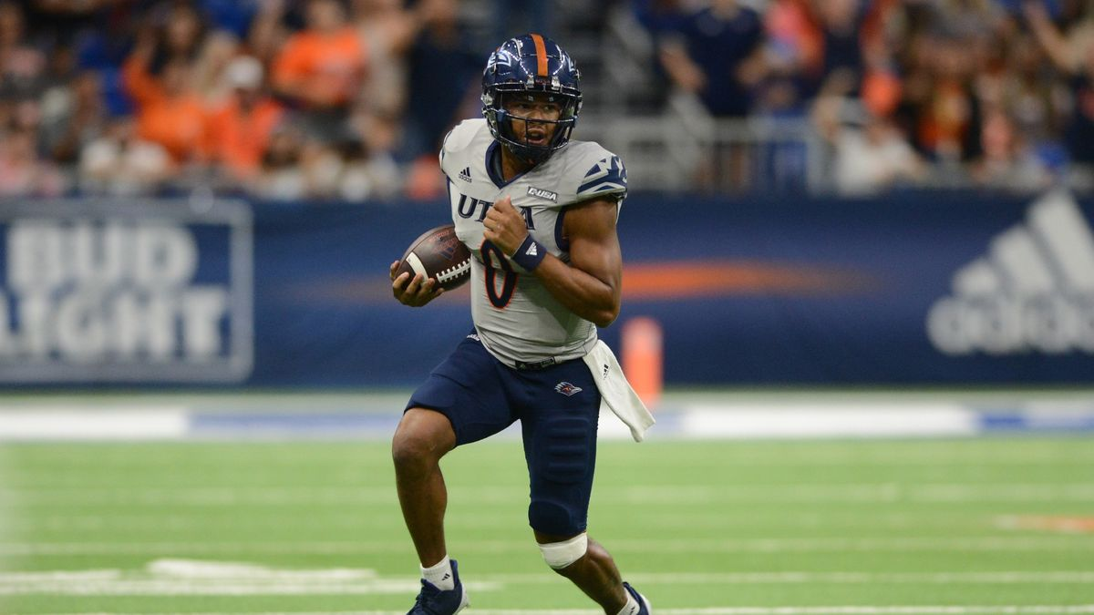 College Football Odds, Picks, Predictions for UTSA vs. Western Kentucky: Can Roadrunners Down Hilltoppers? article feature image