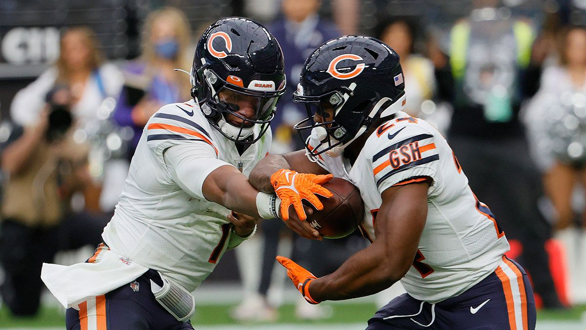 How To Target Khalil Herbert On Fantasy Waiver Wire: How Much FAAB To Bid To Roster Bears RB article feature image