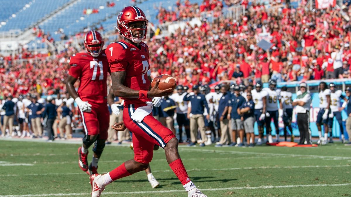 Florida Atlantic vs. UAB Odds, Picks, Preview: Bet the Over in Saturday's College Football Action article feature image