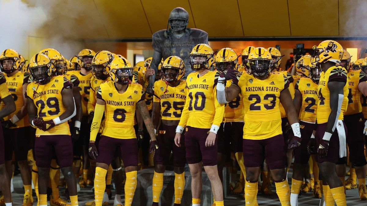 Week 5 College Football Betting Odds, Predictions: Our Top Picks for Saturday Evening, Including UCLA vs. Arizona State (October 2) article feature image