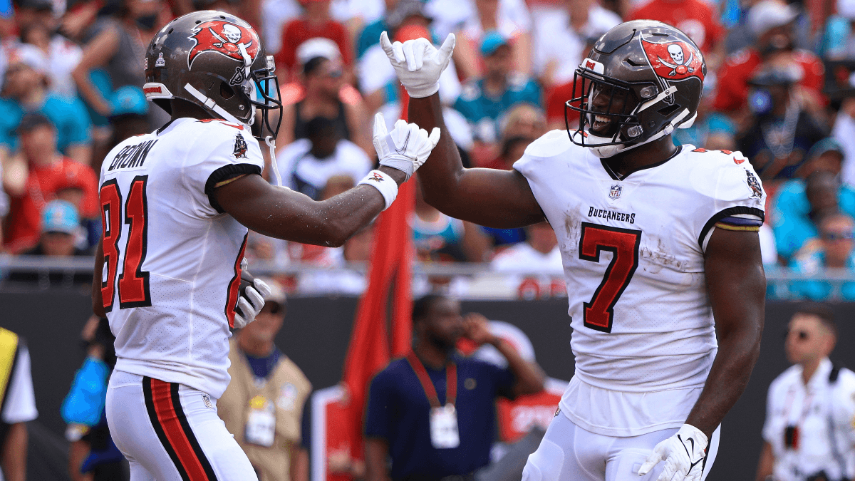 Buccaneers vs. Eagles Thursday Night Football Props: Bettors Counting on Leonard Fournette & Antonio Brown in Tampa Bay Blowout article feature image