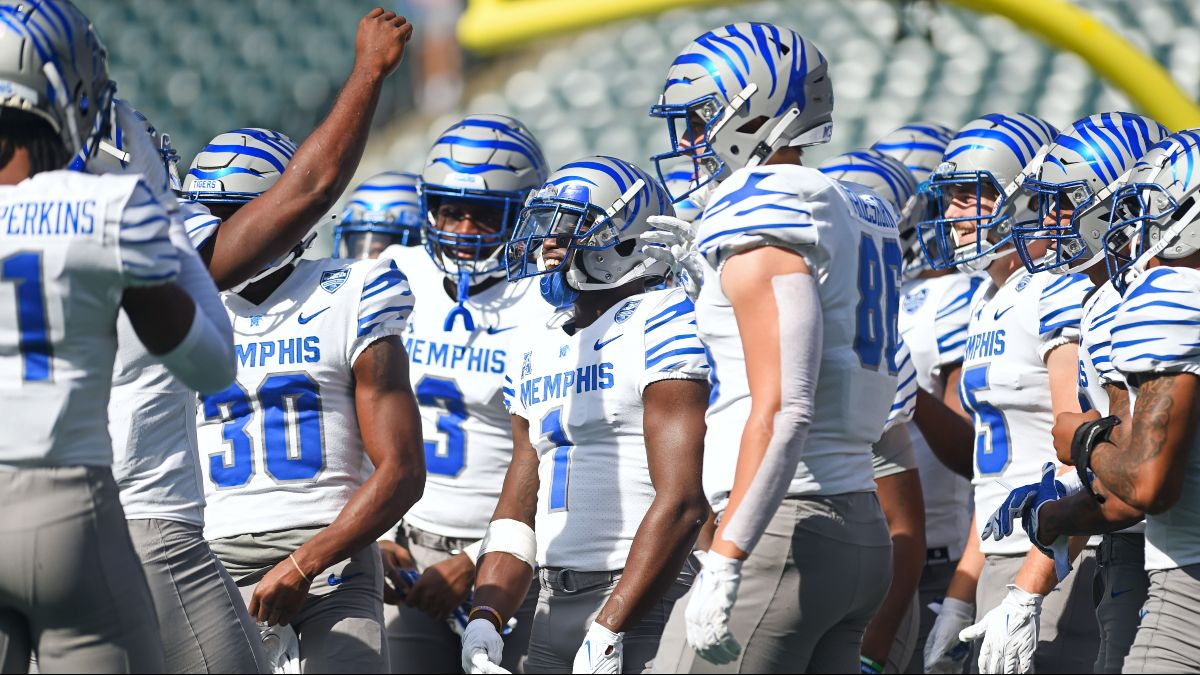 Thursday College Football DFS Strategy, Picks for Navy vs. Memphis & Georgia Southern vs. South Alabama article feature image