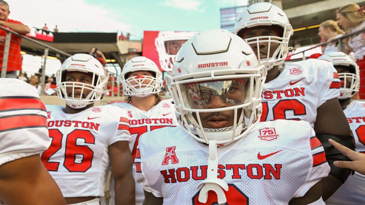 Thursday College Football DFS Strategy, Picks for Arkansas State vs. Coastal Carolina & Tulane vs. Houston (October 7) article feature image