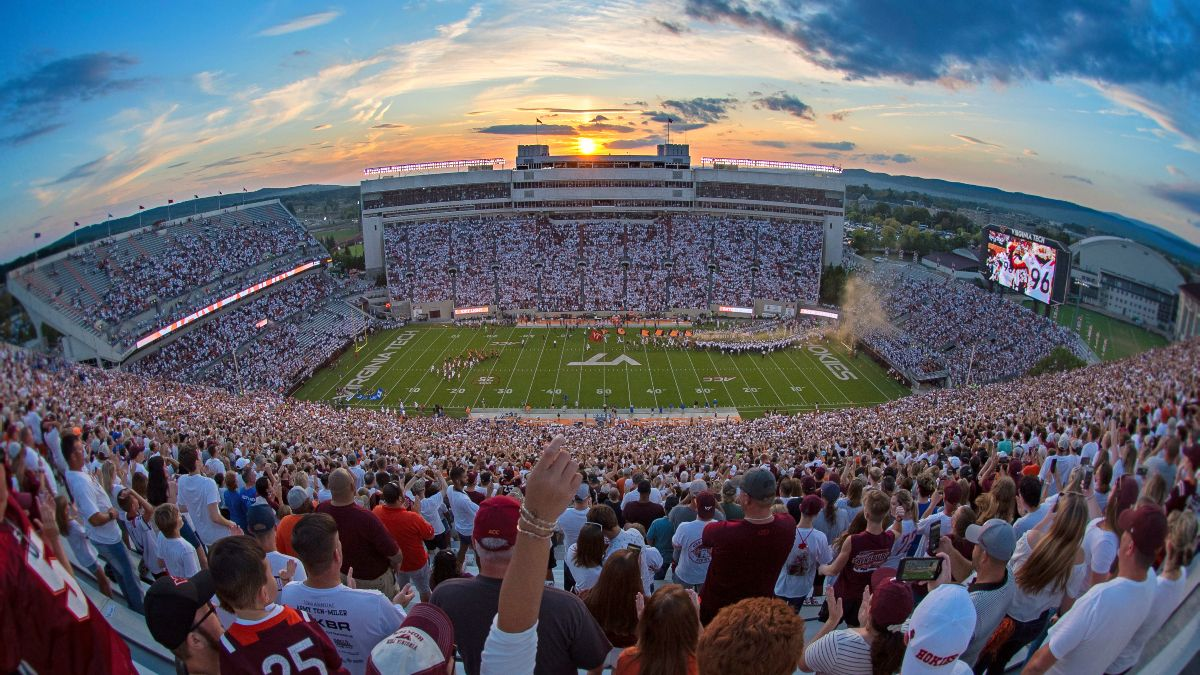 Saturday College Football Odds, Picks, Previews: Your Week 6 CFB Betting Cheat Sheet article feature image