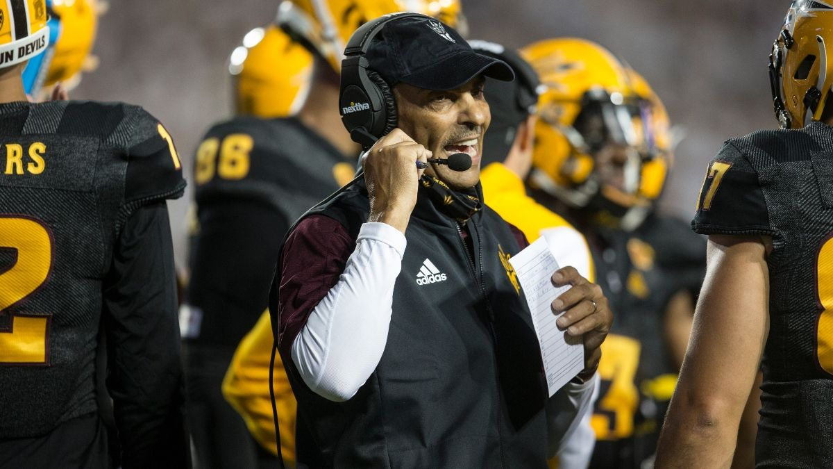 Friday College Football Odds, Picks & Predictions: Sharps Betting Stanford vs. Arizona State & Charlotte vs. FIU article feature image